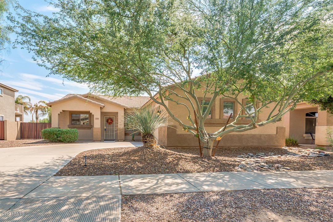 21251 E Avenida Del Valle, Queen Creek, AZ 85142 (MLS #5658519) :: Revelation Real Estate