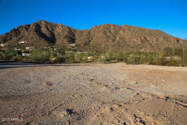 4615 N Alta Hacienda Drive, Phoenix, AZ 85018 (MLS #5690490) :: The Wehner Group