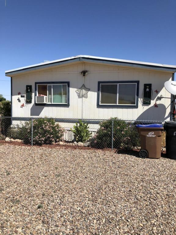 3220 W Caballero Drive, Eloy, AZ 85131 (MLS #5751645) :: Yost Realty Group at RE/MAX Casa Grande