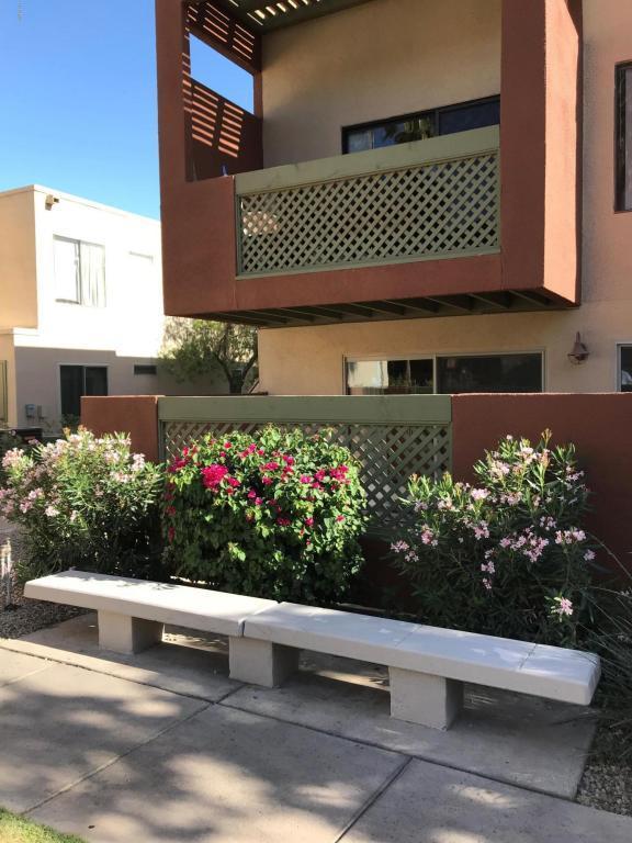 3600 N Hayden Road #2815, Scottsdale, AZ 85251 (MLS #5751770) :: Brett Tanner Home Selling Team