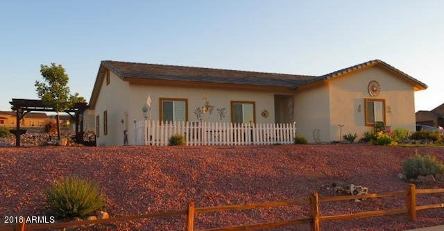 699 Atchison Circle, Wickenburg, AZ 85390 (MLS #5790837) :: Gilbert Arizona Realty