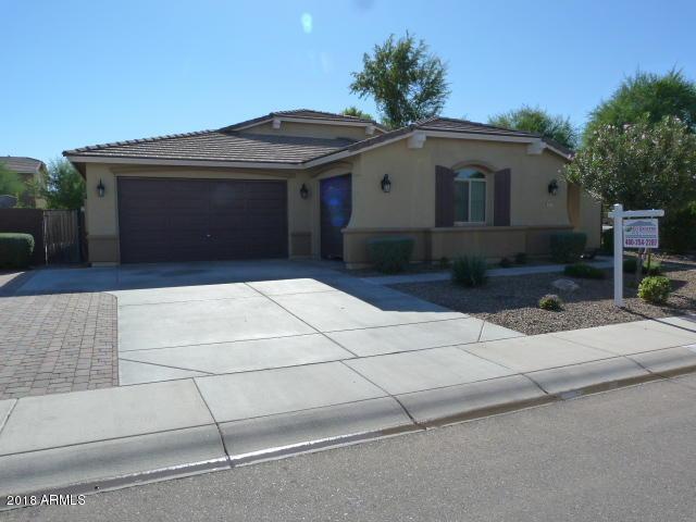 823 W Leatherwood Avenue, Queen Creek, AZ 85140 (MLS #5844709) :: The Garcia Group
