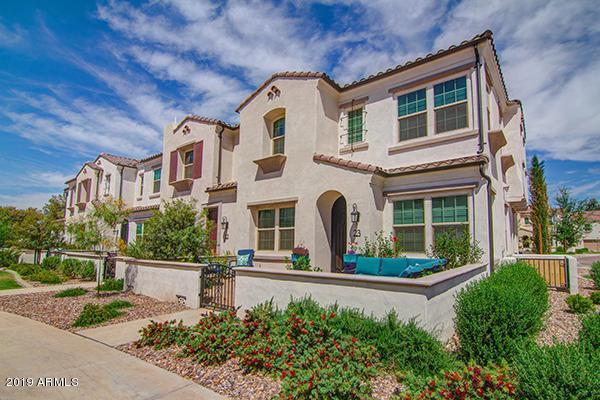 2477 W Market Place #23, Chandler, AZ 85248 (MLS #5908436) :: Yost Realty Group at RE/MAX Casa Grande