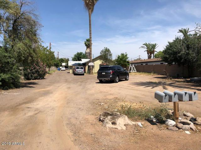 2945 N 38TH Street, Phoenix, AZ 85018 (MLS #5922960) :: Openshaw Real Estate Group in partnership with The Jesse Herfel Real Estate Group