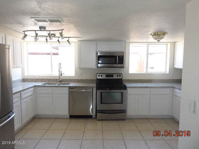 6126 W Mary Jane Lane, Glendale, AZ 85306 (MLS #5973921) :: Arizona Home Group