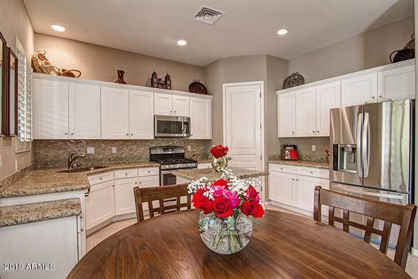 16540 E El Lago Boulevard #11, Fountain Hills, AZ 85268 (MLS #5977934) :: Riddle Realty Group - Keller Williams Arizona Realty