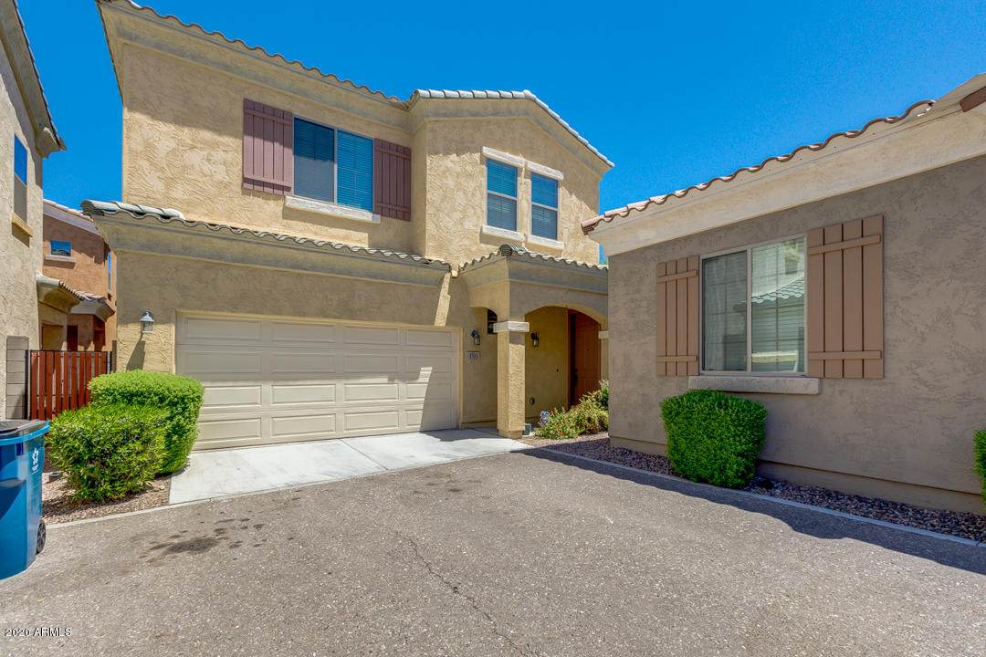 1733 Desert View Place - Photo 1