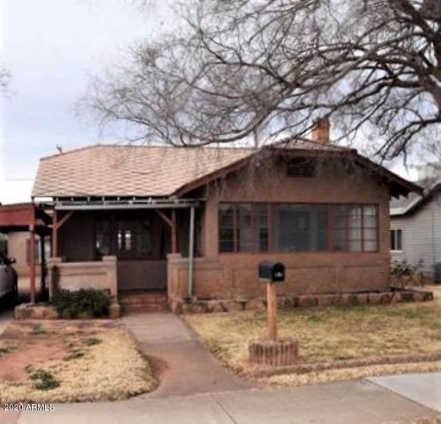 605 Oak Street - Photo 1