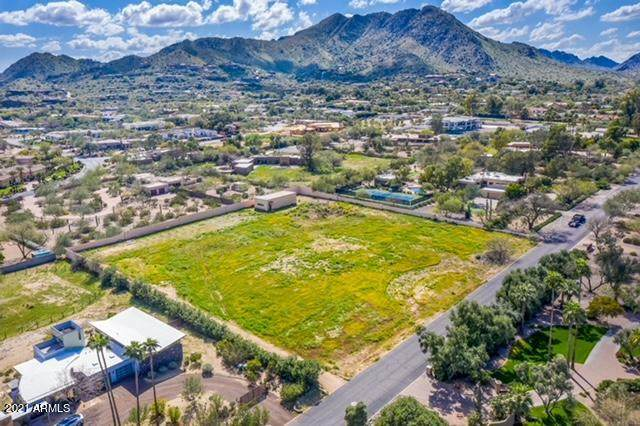 4939 E Horseshoe Road, Paradise Valley, AZ 85253 (MLS #6179853) :: Lucido Agency