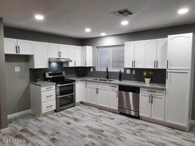 48407 N 15TH Avenue, New River, AZ 85087 (MLS #6216520) :: TIBBS Realty