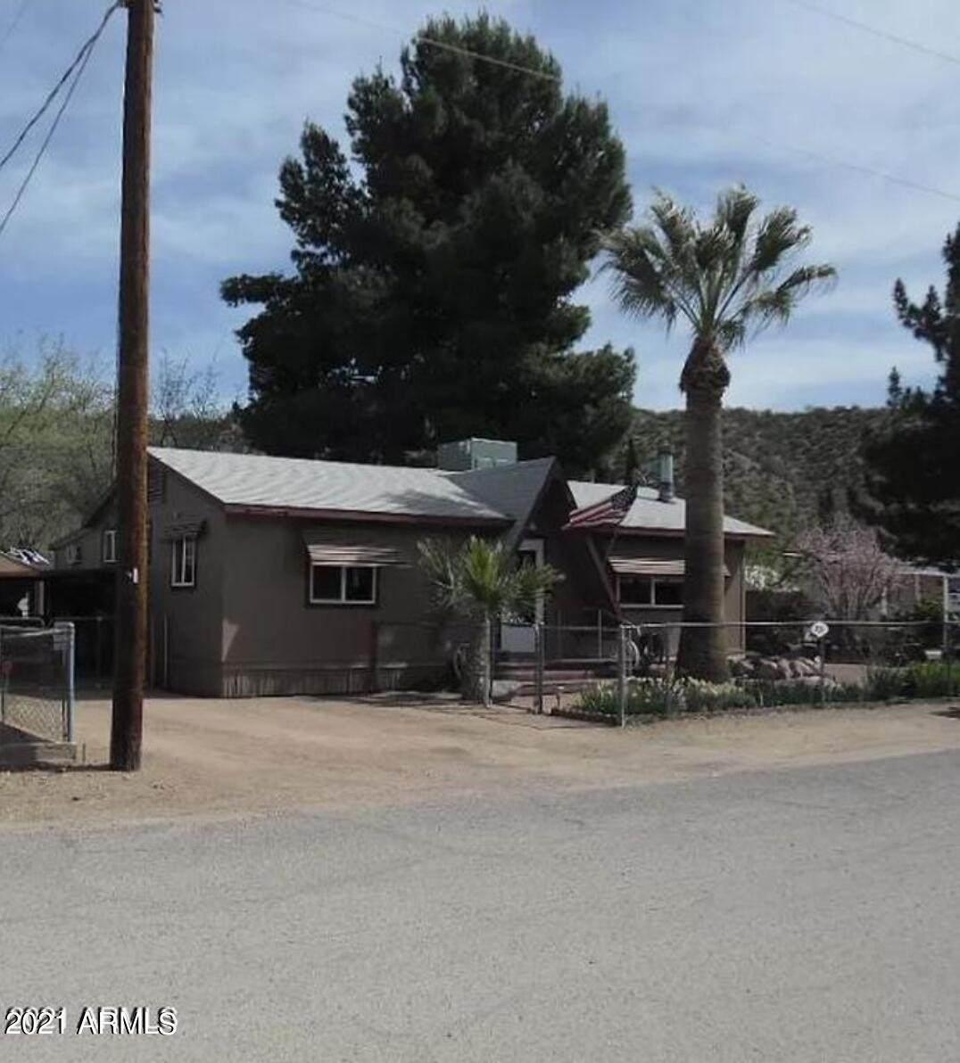 731 Stagecoach Trail - Photo 1