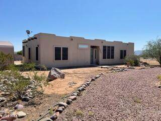 27513 N 252nd Avenue, Wittmann, AZ 85361 (MLS #6293506) :: Yost Realty Group at RE/MAX Casa Grande