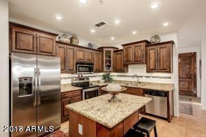 11410 N Saguaro Boulevard #202, Fountain Hills, AZ 85268 (MLS #5670693) :: Private Client Team