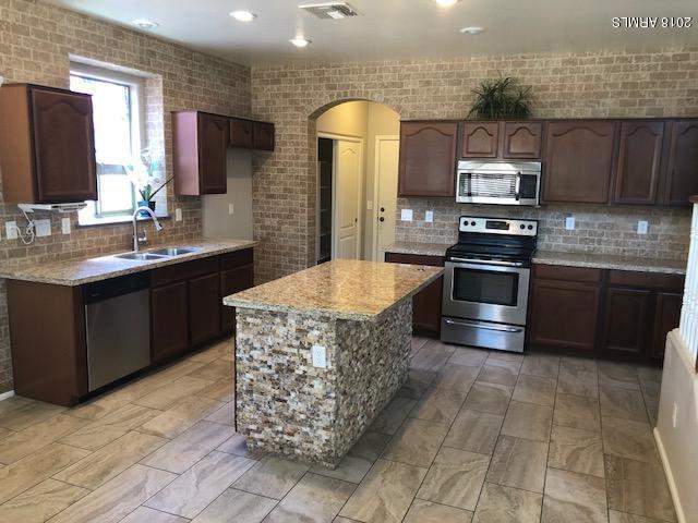 1010 E Julie Avenue, San Tan Valley, AZ 85140 (MLS #5733873) :: My Home Group