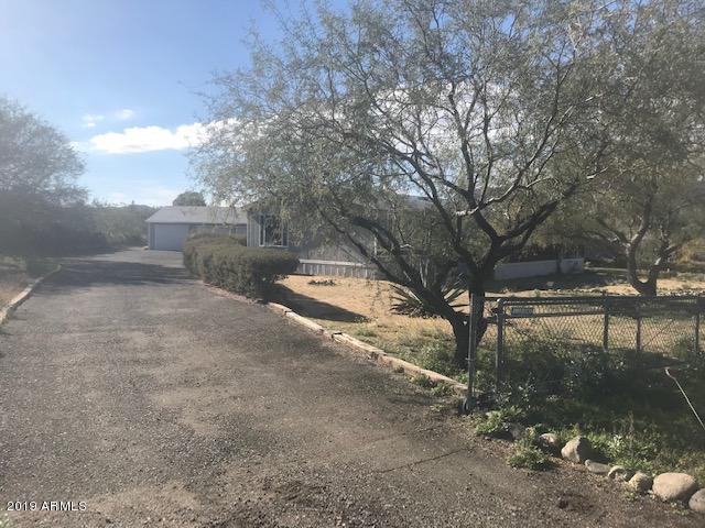 34535 S Roadrunner Road, Black Canyon City, AZ 85324 (MLS #5868063) :: Yost Realty Group at RE/MAX Casa Grande