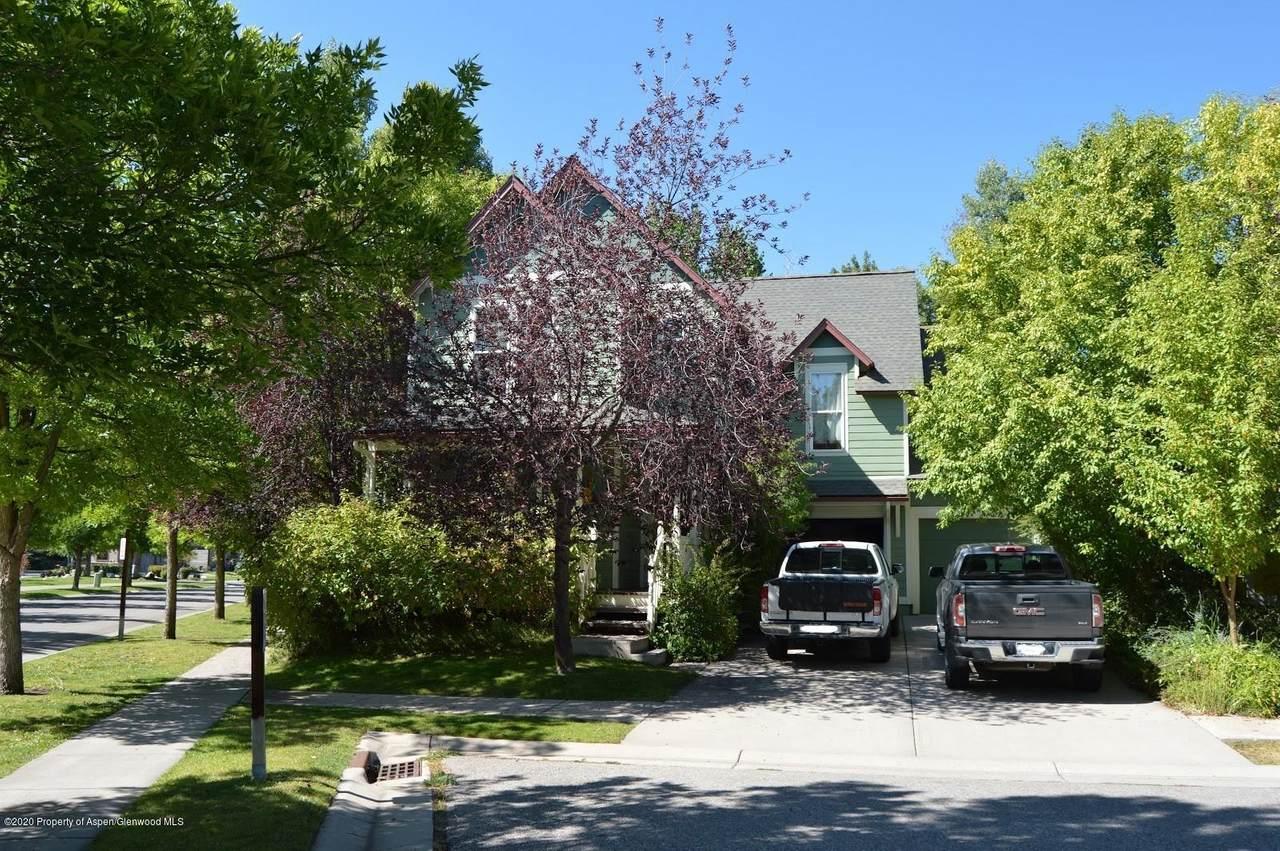 465 Boyd Drive - Photo 1