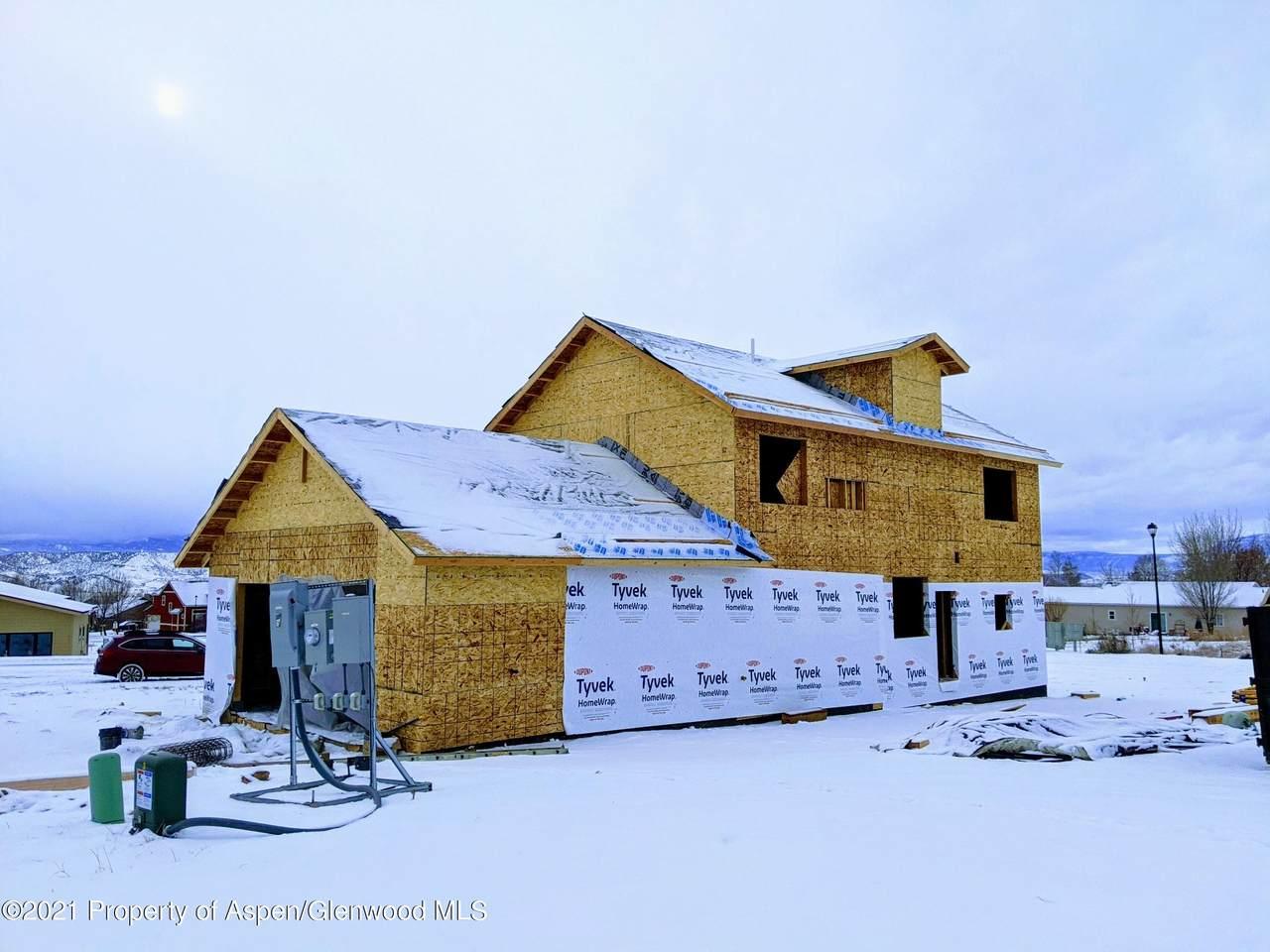 516 Sandstone Drive - Photo 1
