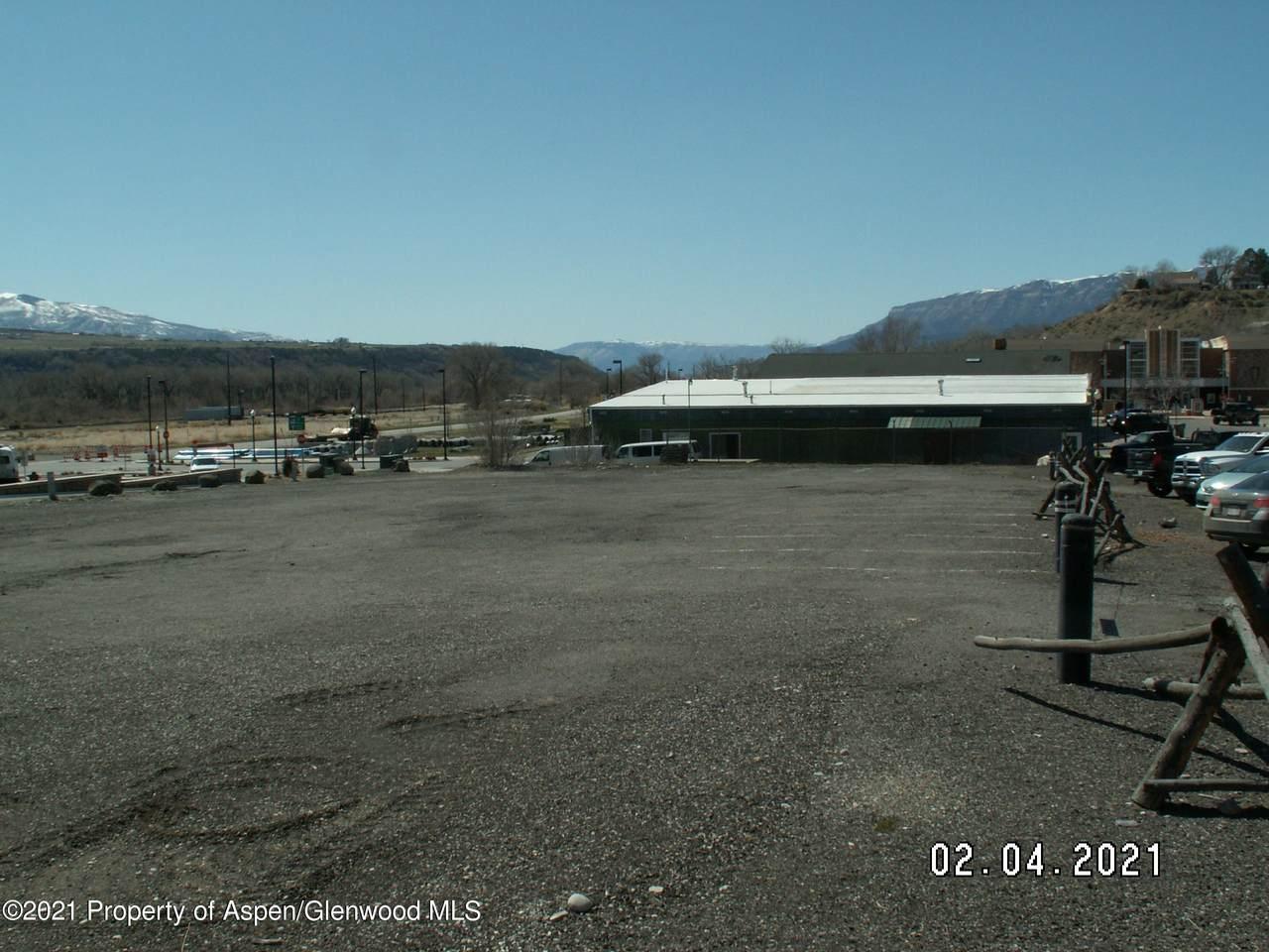 139 Railroad Avenue - Photo 1