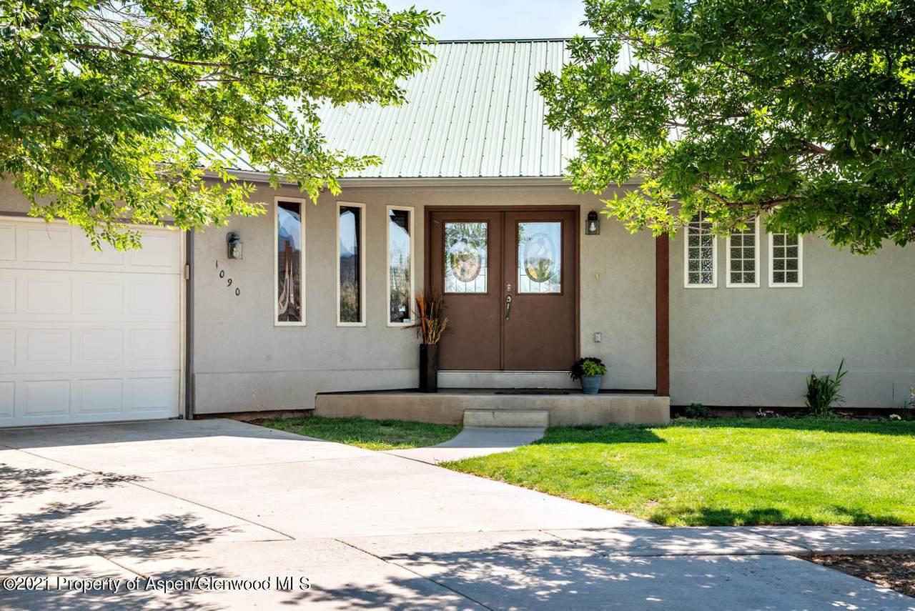 1090 Hickory Drive - Photo 1