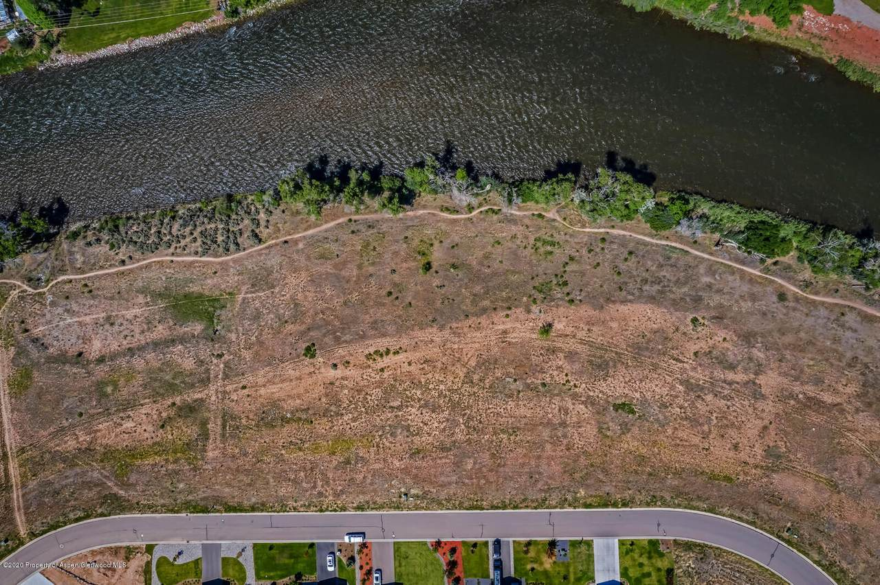 1656 River Bend Way - Photo 1