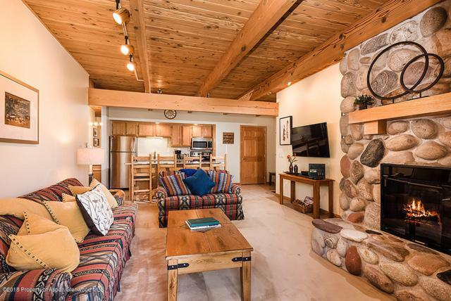 690 Carriage Way A2b, Snowmass Village, CO 81615 (MLS #153778) :: McKinley Sales Real Estate