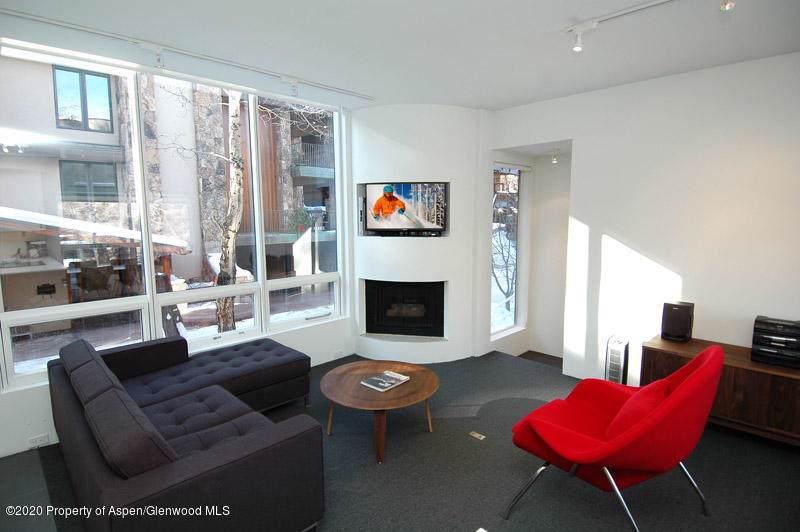 625 Monarch Street - Photo 1