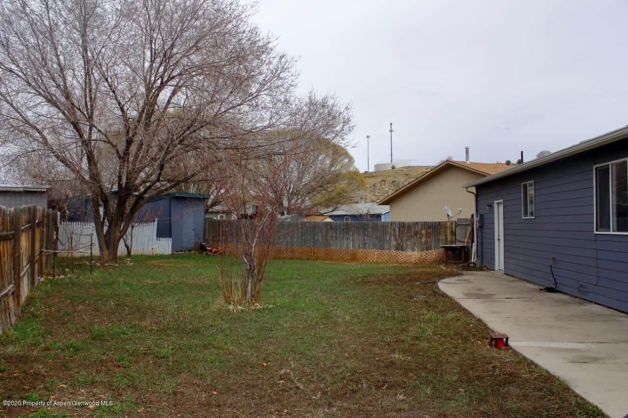 332 Meadow Court - Photo 1