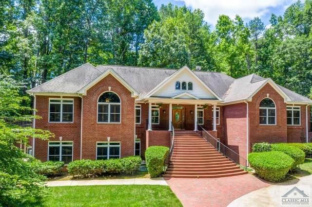360 Glen Lake Drive, Hoschton, GA 30548 (MLS #976444) :: Signature Real Estate of Athens