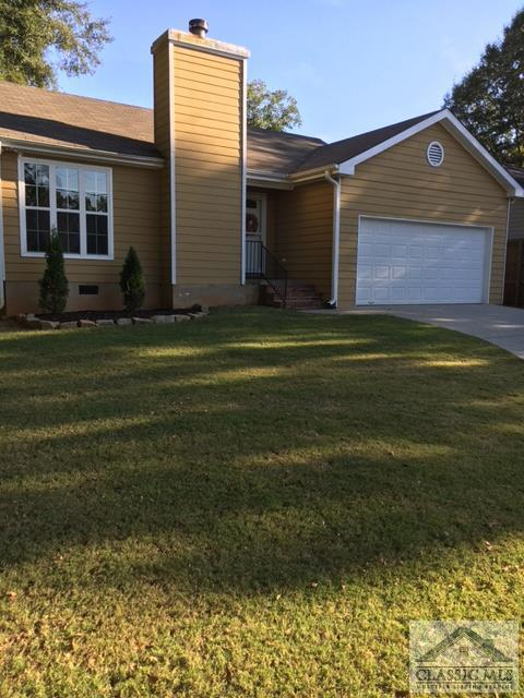 225 North Woodlawn Ave, Winder, GA 30680 (MLS #965628) :: Team Cozart