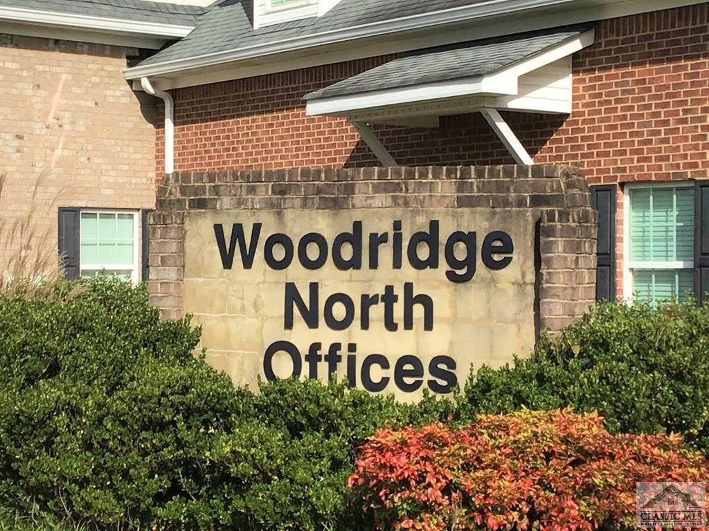 1011 Woodridge - Photo 1