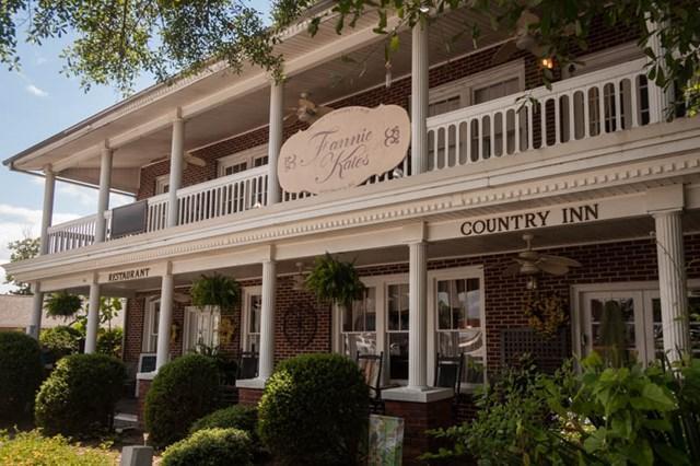 127 Main Street, McCormick, SC 29835 (MLS #413990) :: Shannon Rollings Real Estate