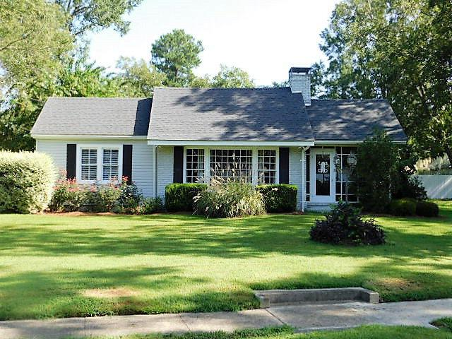 35 Davis Street, Warrenton, GA 30828 (MLS #417374) :: Brandi Young Realtor®