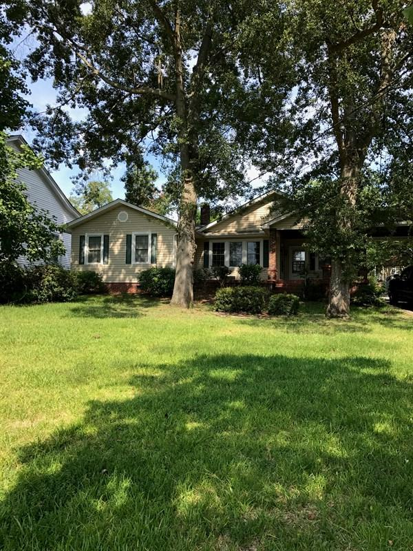 911 Lake Avenue, North Augusta, SC 29841 (MLS #417460) :: Shannon Rollings Real Estate