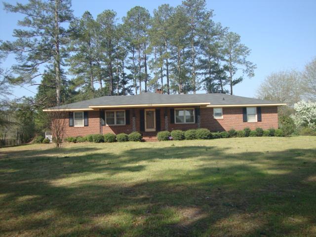 1019 Wrens Hwy, Thomson, GA 30824 (MLS #424384) :: Shannon Rollings Real Estate