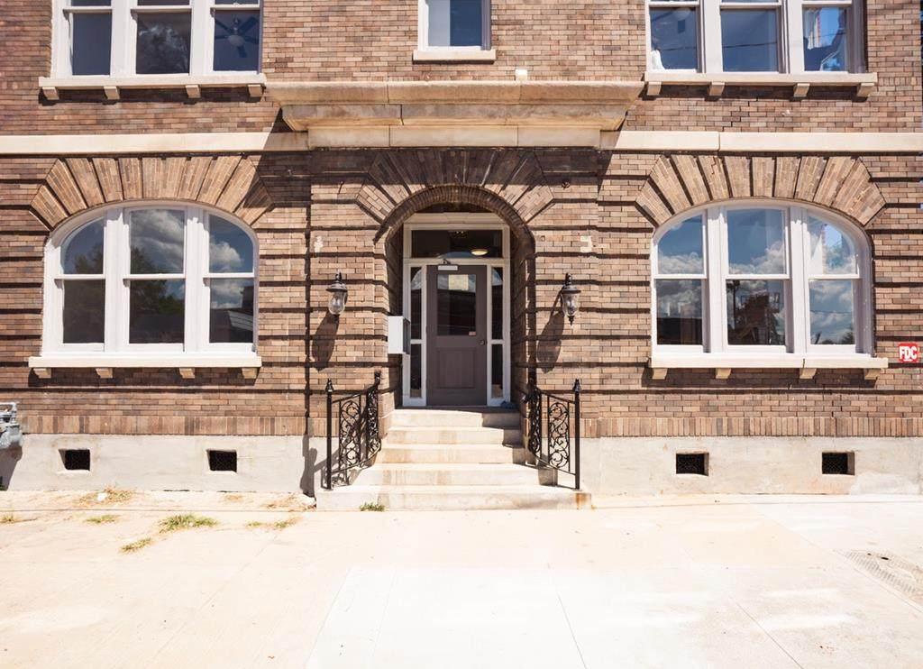 204 Thirteenth Street - Photo 1
