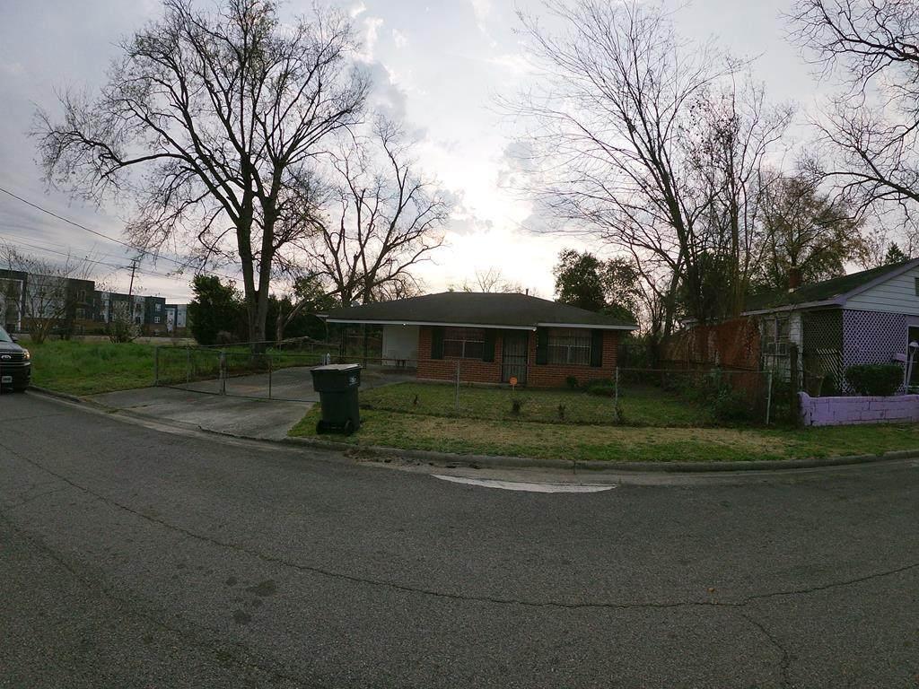 1514 Bleakley Street - Photo 1