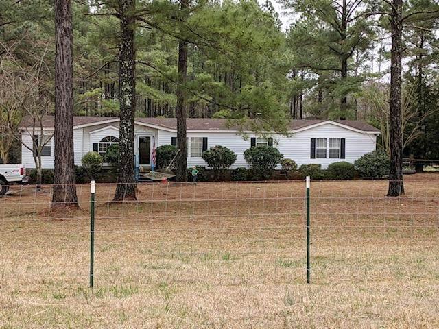 134 Silver Drive, Saluda, SC 29138 (MLS #467352) :: McArthur & Barnes Partners | Meybohm Real Estate