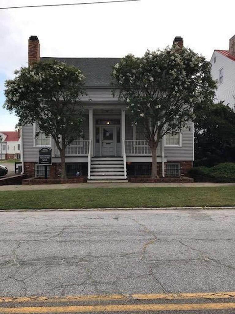 431 Walker Street - Photo 1