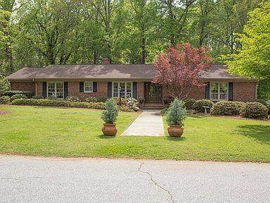 110 Woodcrest Drive, Greenwood, SC 29649 (MLS #470483) :: RE/MAX River Realty