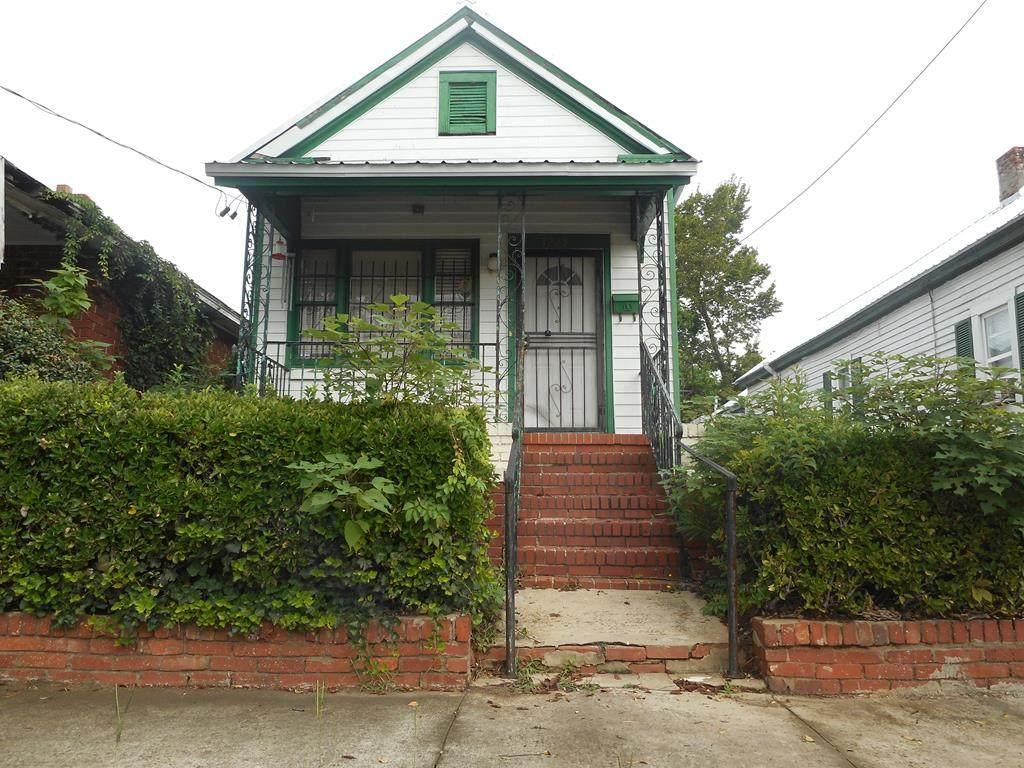 1225 11th Street - Photo 1