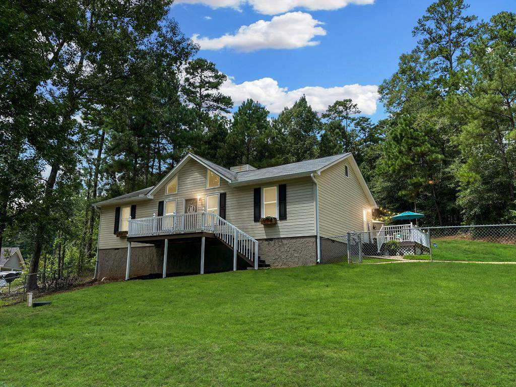 1570 Martintown Road W - Photo 1