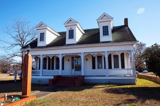 111 Gordon Street, Thomson, GA 30824 (MLS #422063) :: Shannon Rollings Real Estate