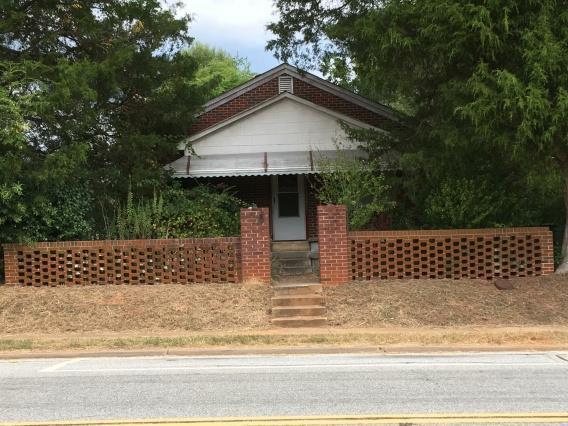 1014 S Main Street, McCormick, SC 29835 (MLS #432215) :: REMAX Reinvented | Natalie Poteete Team
