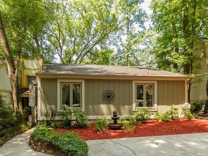 654 Center Court Drive, Augusta, GA 30909 (MLS #442234) :: REMAX Reinvented | Natalie Poteete Team