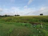 1147 Farm Road 486 - Photo 3