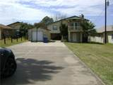 2822 Lakeview Ln - Photo 1