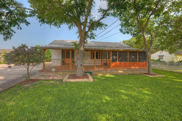 1951 Gruene Rd, New Braunfels, TX 78130 (#1055778) :: The Perry Henderson Group at Berkshire Hathaway Texas Realty
