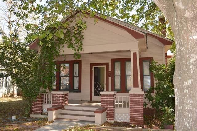 1207 W San Antonio St, San Marcos, TX 78666 (#1059041) :: Watters International