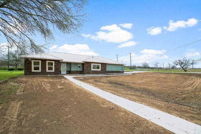 110 Oak Creek Cir, Luling, TX 78648 (#1072451) :: The Perry Henderson Group at Berkshire Hathaway Texas Realty