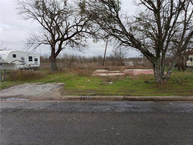 205 S Doak St, Taylor, TX 76574 (#1094776) :: 12 Points Group